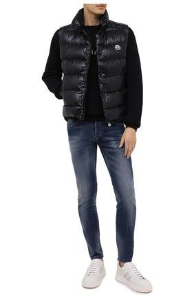 Мужской пуховый жилет tib MONCLER черного цвета, арт. F2-091-1A538-00-68950 | Фото 2 (Материал внешний: Синтетический материал; Материал подклада: Синтетический материал; Длина (верхняя одежда): Короткие; Мужское Кросс-КТ: Верхняя одежда; Стили: Спорт-шик; Кросс-КТ: Пуховик, Куртка)