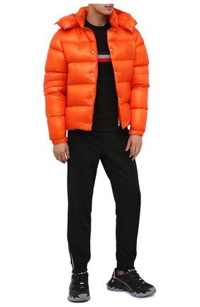 Мужской хлопковый свитшот MONCLER черного цвета, арт. F2-091-8G747-20-80985 | Фото 2 (Материал внешний: Хлопок; Длина (для топов): Стандартные; Рукава: Длинные; Принт: С принтом; Мужское Кросс-КТ: свитшот-одежда; Стили: Кэжуэл)