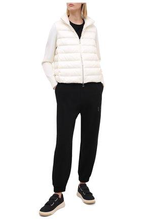 Женский пуховая куртка MONCLER белого цвета, арт. F2-093-9B511-00-A9018 | Фото 2