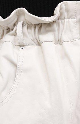 Женские кожаные шорты GRLFRND бежевого цвета, арт. GRF5 -S20   Фото 5 (Женское Кросс-КТ: Шорты-одежда; Длина Ж (юбки, платья, шорты): Мини; Материал внешний: Кожа; Материал подклада: Синтетический материал)