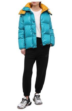 Женский пуховая куртка MONCLER бирюзового цвета, арт. F2-093-1A51N-00-C0067 | Фото 2