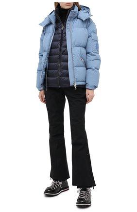 Женский пуховая куртка MONCLER голубого цвета, арт. F2-093-1A550-00-C0531 | Фото 2
