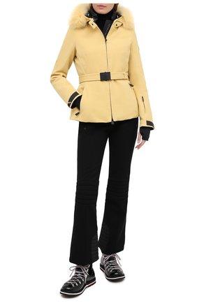 Женская пуховая куртка MONCLER желтого цвета, арт. F2-098-1A523-02-53063   Фото 2