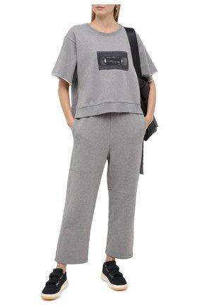 Женские хлопковые брюки MM6 серого цвета, арт. S32KA0631/S25337 | Фото 2