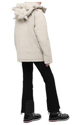 Женский пуховая куртка MONCLER GENIUS светло-бежевого цвета, арт. F2-09E-1B504-40-V0135 | Фото 2