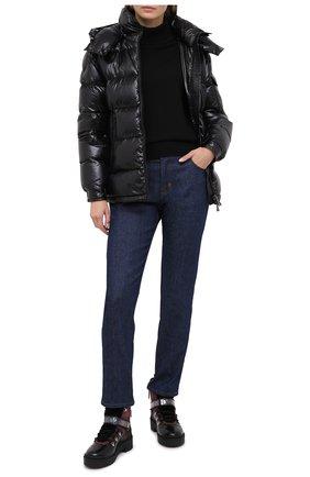 Женский пуховая куртка MONCLER черного цвета, арт. F2-093-1A576-00-C0064 | Фото 2