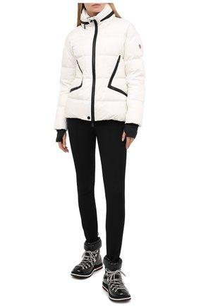 Женский пуховая куртка MONCLER белого цвета, арт. F2-098-1A526-00-5399E | Фото 2