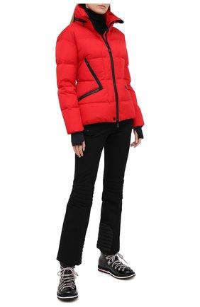 Женский пуховая куртка MONCLER красного цвета, арт. F2-098-1A526-00-5399E | Фото 2