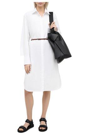 Женское хлопковое платье THE ROW белого цвета, арт. 4937W1625 | Фото 2 (Материал внешний: Хлопок; Рукава: Длинные; Женское Кросс-КТ: Платье-одежда, платье-рубашка; Случай: Повседневный; Стили: Кэжуэл; Длина Ж (юбки, платья, шорты): До колена)