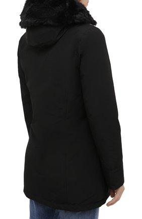 Женская пуховая парка WOOLRICH черного цвета, арт. CFWW0U0374FR/UT0001 | Фото 4 (Кросс-КТ: Куртка; Рукава: Длинные; Материал внешний: Синтетический материал, Хлопок; Стили: Классический, Кэжуэл; Материал подклада: Синтетический материал)