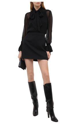 Женская шелковая блузка SAINT LAURENT черного цвета, арт. 642299/Y115W   Фото 2 (Материал внешний: Шелк; Рукава: Длинные; Принт: Без принта; Длина (для топов): Стандартные; Стили: Бохо, Романтичный; Женское Кросс-КТ: Блуза-одежда)