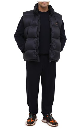 Мужские шерстяные брюки HARRIS WHARF LONDON темно-синего цвета, арт. C7015MYM/58 | Фото 2 (Материал внешний: Шерсть; Длина (брюки, джинсы): Стандартные; Случай: Повседневный; Стили: Кэжуэл)