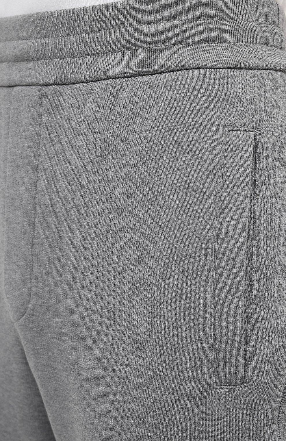Мужские хлопковые брюки BRIONI серого цвета, арт. UJDJ0L/09630   Фото 5 (Мужское Кросс-КТ: Брюки-трикотаж; Длина (брюки, джинсы): Стандартные; Случай: Повседневный; Материал внешний: Хлопок; Стили: Спорт-шик)