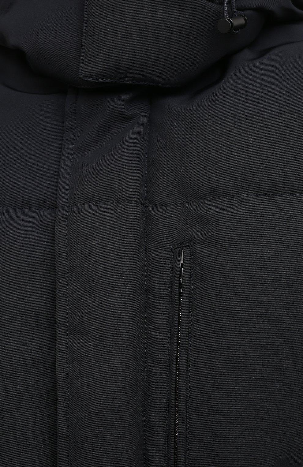 Мужская пуховик BRIONI темно-синего цвета, арт. SUNL0L/03811 | Фото 5 (Кросс-КТ: Куртка, Пуховик; Мужское Кросс-КТ: пуховик-короткий, Пуховик-верхняя одежда, Верхняя одежда; Рукава: Длинные; Длина (верхняя одежда): До середины бедра; Материал внешний: Синтетический материал; Материал подклада: Синтетический материал; Материал утеплителя: Пух и перо; Стили: Кэжуэл)