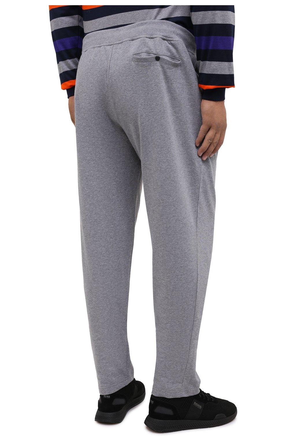 Мужские хлопковые брюки PAUL&SHARK серого цвета, арт. C0P1062/C00/3XL-6XL   Фото 4 (Мужское Кросс-КТ: Брюки-трикотаж; Длина (брюки, джинсы): Стандартные; Случай: Повседневный; Материал внешний: Хлопок; Стили: Спорт-шик)