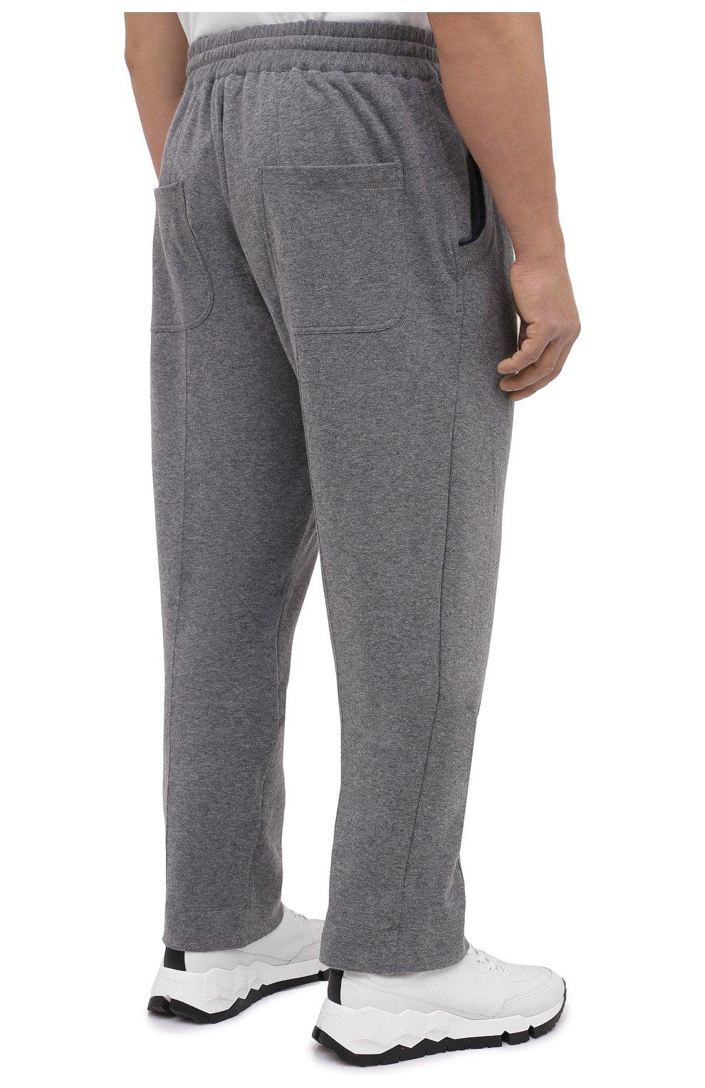 Мужские брюки из хлопка и кашемира CORTIGIANI серого цвета, арт. 914613/0000/60-70 | Фото 4 (Big sizes: Big Sizes; Мужское Кросс-КТ: Брюки-трикотаж; Длина (брюки, джинсы): Стандартные; Случай: Повседневный; Материал внешний: Хлопок; Стили: Спорт-шик)