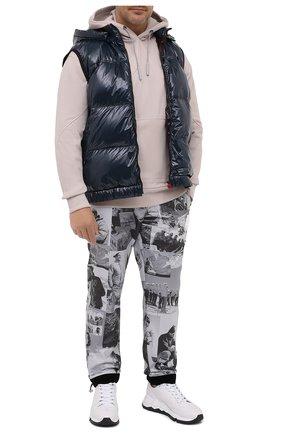 Мужские брюки MONCLER черно-белого цвета, арт. F2-091-2A739-00-54APZ | Фото 2