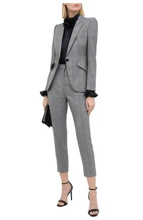 Женские шерстяные брюки ALEXANDER MCQUEEN серого цвета, арт. 631986/QJABH   Фото 2