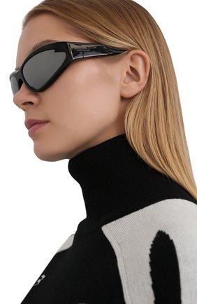 Женские солнцезащитные очки BOTTEGA VENETA черного цвета, арт. BV1077S | Фото 2