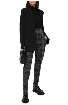Женские брюки REDVALENTINO серого цвета, арт. UR0RBD20/5DF | Фото 2