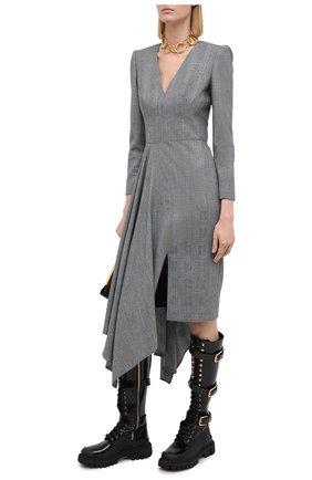 Женское шерстяное платье ALEXANDER MCQUEEN серого цвета, арт. 626221/QJABH   Фото 2