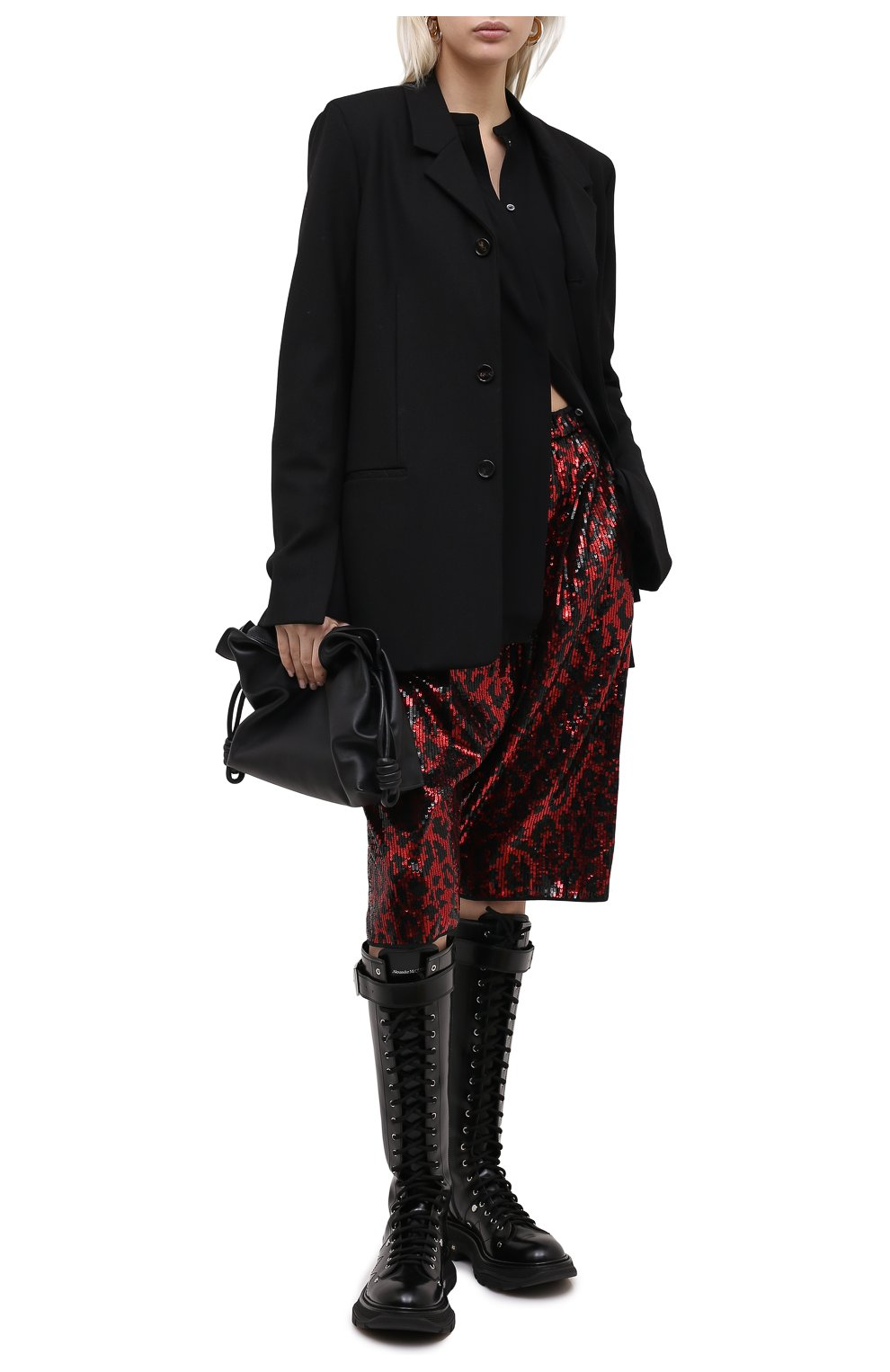 Женские шорты с пайетками N21 красного цвета, арт. 20I N2M0/D011/5A45 | Фото 2 (Женское Кросс-КТ: Шорты-одежда; Стили: Гламурный; Материал внешний: Синтетический материал; Кросс-КТ: Широкие; Длина Ж (юбки, платья, шорты): До колена)