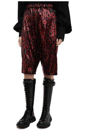 Женские шорты с пайетками N21 красного цвета, арт. 20I N2M0/D011/5A45 | Фото 3 (Женское Кросс-КТ: Шорты-одежда; Стили: Гламурный; Материал внешний: Синтетический материал; Кросс-КТ: Широкие; Длина Ж (юбки, платья, шорты): До колена)