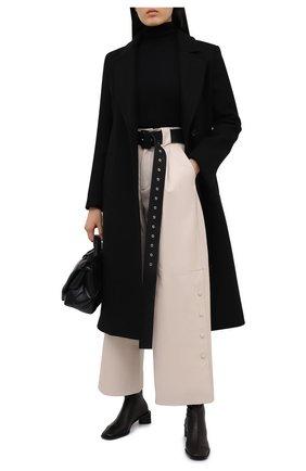 Женские кожаные брюки TWINS FLORENCE кремвого цвета, арт. TWFAI20PAN0002C | Фото 2