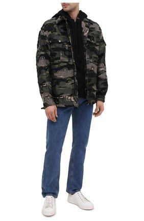 Мужская хлопковая куртка VALENTINO хаки цвета, арт. UV0CJE376QR   Фото 2 (Рукава: Длинные; Материал внешний: Хлопок; Мужское Кросс-КТ: Куртка-верхняя одежда, Верхняя одежда; Стили: Милитари; Кросс-КТ: Ветровка, Куртка)