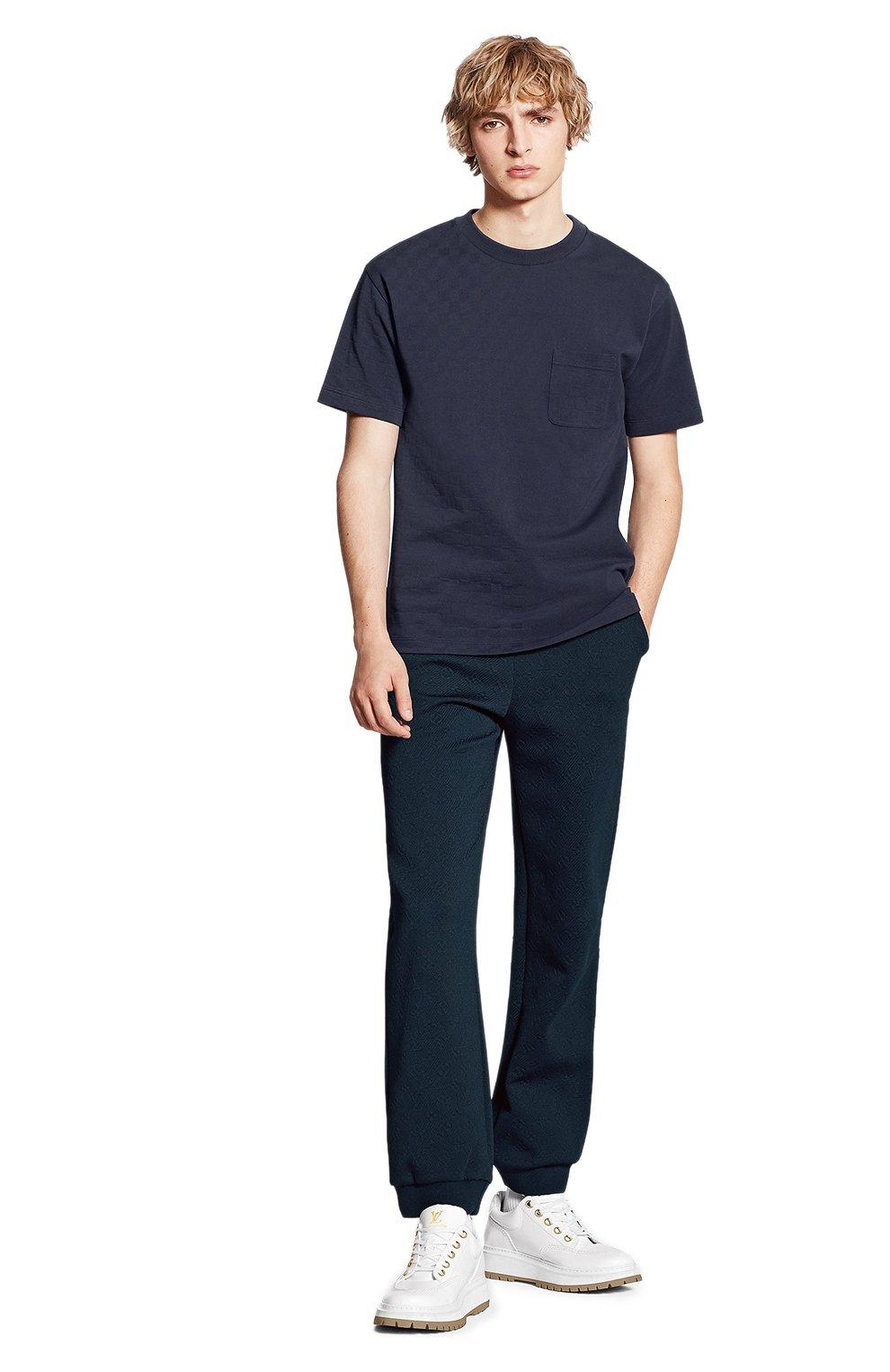Мужская хлопковая футболка LOUIS VUITTON синего цвета, арт. 1A7XE1 | Фото 2 (Принт: Без принта; Рукава: Короткие; Мужское Кросс-КТ: Футболка-одежда; Материал внешний: Хлопок; Стили: Кэжуэл)