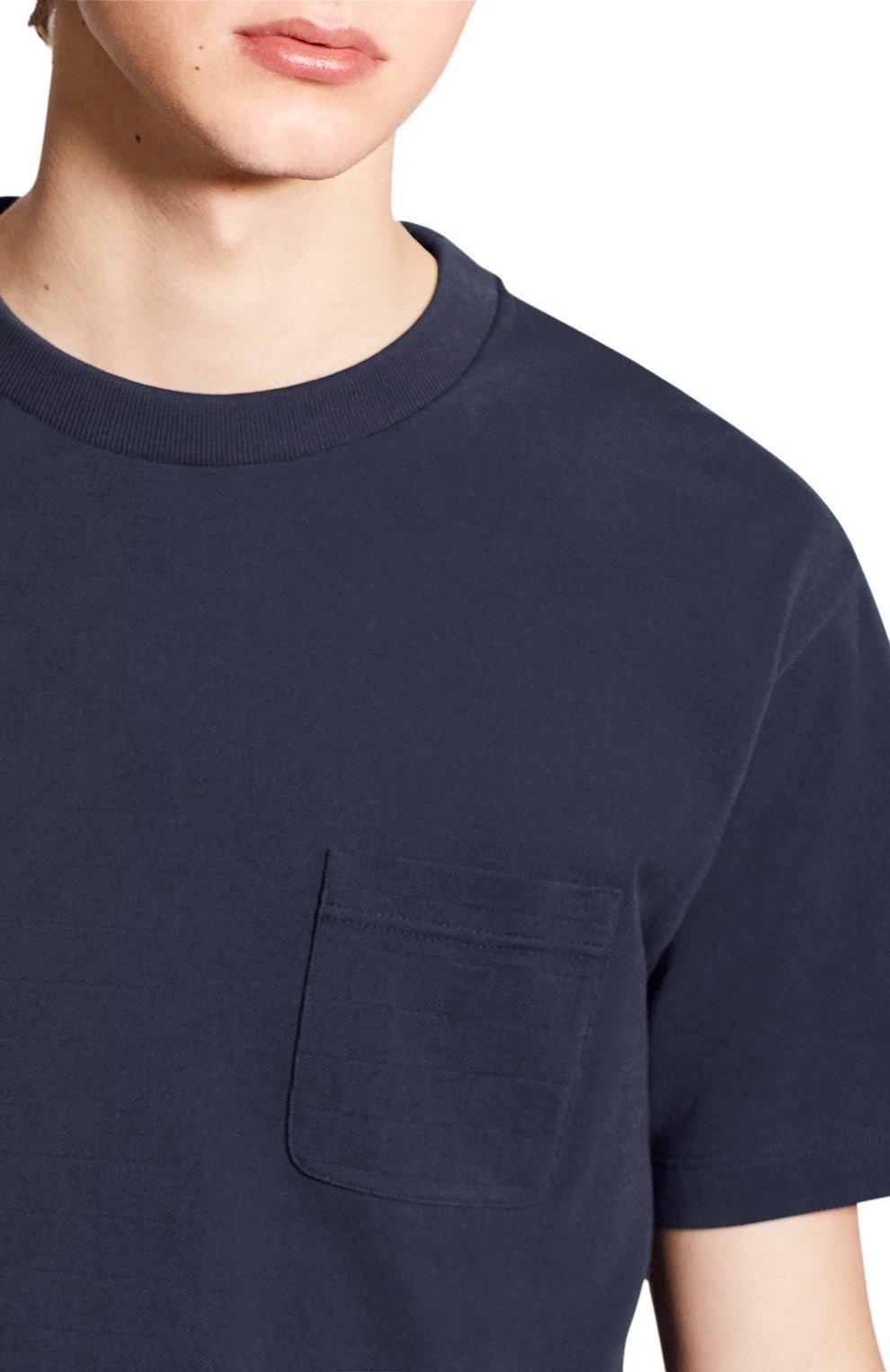 Мужская хлопковая футболка LOUIS VUITTON синего цвета, арт. 1A7XE1 | Фото 5 (Принт: Без принта; Рукава: Короткие; Мужское Кросс-КТ: Футболка-одежда; Материал внешний: Хлопок; Стили: Кэжуэл)
