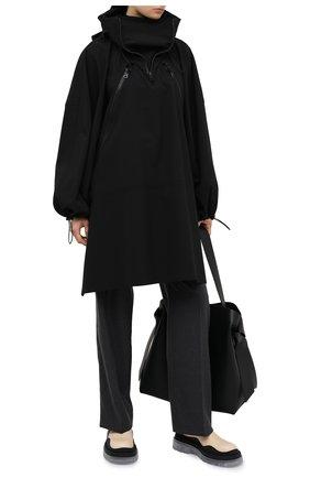Женский плащ BOTTEGA VENETA черного цвета, арт. 644979/V02Q0   Фото 2