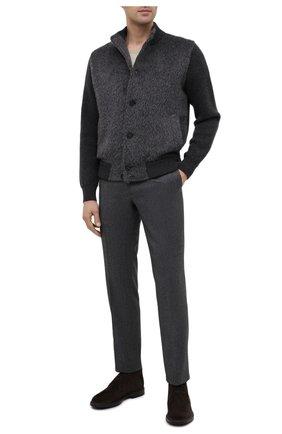Мужской бомбер из шерсти и кашемира BRIONI серого цвета, арт. UMIA0L/09K23 | Фото 2 (Материал внешний: Шерсть; Рукава: Длинные; Длина (верхняя одежда): Короткие; Мужское Кросс-КТ: Верхняя одежда; Принт: Без принта; Стили: Кэжуэл; Кросс-КТ: Куртка)