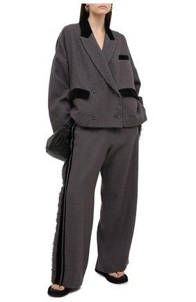 Женский шерстяной жакет UMA WANG светло-серого цвета, арт. A0 W UW6007 | Фото 2 (Материал подклада: Купро, Вискоза; Длина (для топов): Стандартные; Рукава: Длинные; Материал внешний: Шерсть; Женское Кросс-КТ: Жакет-одежда; Случай: Повседневный; Стили: Спорт-шик)