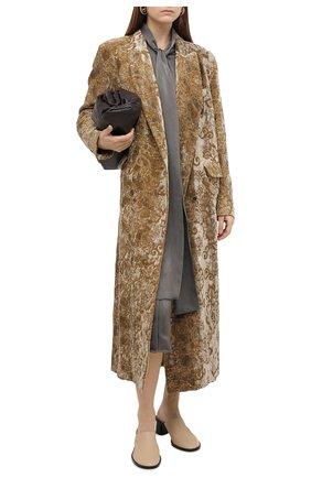 Женское пальто UMA WANG золотого цвета, арт. A0 W UW8011 | Фото 2 (Материал подклада: Купро, Вискоза; Материал внешний: Хлопок; Рукава: Длинные; Стили: Кэжуэл)