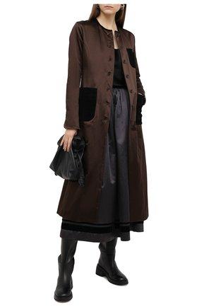 Женское пальто UMA WANG коричневого цвета, арт. A0 W UW8031 | Фото 2 (Материал подклада: Хлопок; Материал внешний: Синтетический материал, Хлопок; Рукава: Длинные; Стили: Кэжуэл; 1-2-бортные: Однобортные; Длина (верхняя одежда): Длинные)