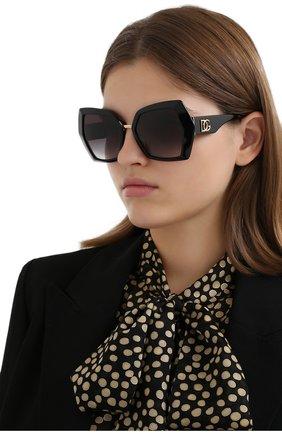 Женские солнцезащитные очки DOLCE & GABBANA черного цвета, арт. 4377-501/8G   Фото 2