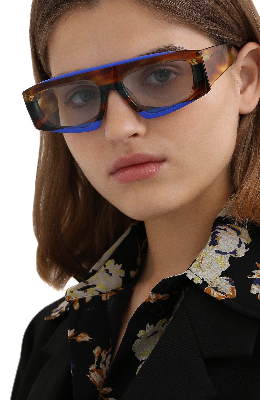Женские солнцезащитные очки JACQUEMUS коричневого цвета, арт. LES LUNETTES YAUC0 MULTI BLUE   Фото 2