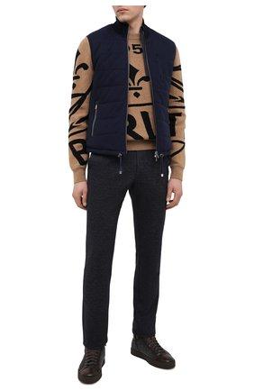Мужские брюки из шерсти и хлопка CAPOBIANCO темно-синего цвета, арт. 9M733.ME00.   Фото 2 (Материал внешний: Хлопок, Шерсть; Длина (брюки, джинсы): Стандартные; Случай: Повседневный; Стили: Кэжуэл)