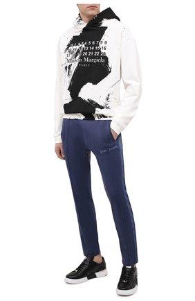 Мужской брюки PALM ANGELS темно-синего цвета, арт. PMCA023F20FAB0024646 | Фото 2