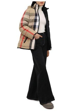 Женский пуховая куртка BURBERRY бежевого цвета, арт. 8033430 | Фото 2