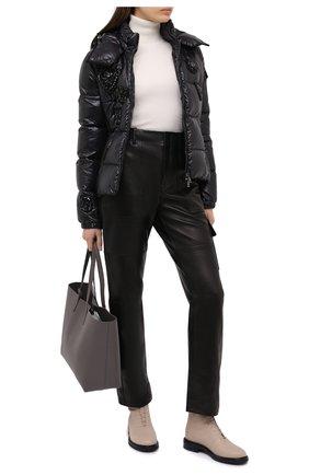 Женский пуховая куртка MONCLER черного цвета, арт. F2-093-1A51A-20-C0064 | Фото 2