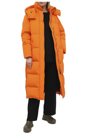 Женский пуховик WOOLRICH оранжевого цвета, арт. CFWW0U0312FR/UT1148 | Фото 2