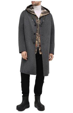 Мужские резиновые сапоги puddle BOTTEGA VENETA черного цвета, арт. 640043/V00P0 | Фото 2 (Материал внутренний: Натуральная кожа, Текстиль; Материал внешний: Экокожа; Мужское Кросс-КТ: Сапоги-обувь; Подошва: Плоская)