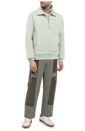 Мужские хлопковые брюки JACQUEMUS зеленого цвета, арт. 206PA06/205540 | Фото 2 (Длина (брюки, джинсы): Стандартные; Материал внешний: Хлопок; Случай: Повседневный; Стили: Минимализм)
