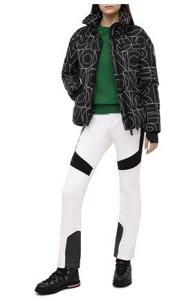 Женский пуховая куртка MONCLER черного цвета, арт. F2-098-1A526-00-539Z9 | Фото 2