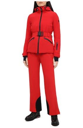 Женский пуховая куртка MONCLER красного цвета, арт. F2-098-1A801-40-539WX | Фото 2