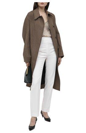 Женские брюки BURBERRY белого цвета, арт. 4566157   Фото 2 (Материал подклада: Купро; Материал внешний: Синтетический материал, Шерсть; Длина (брюки, джинсы): Стандартные; Женское Кросс-КТ: Брюки-одежда; Силуэт Ж (брюки и джинсы): Прямые)