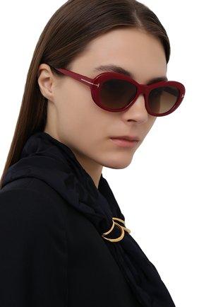 Женские солнцезащитные очки TOM FORD красного цвета, арт. TF819   Фото 2
