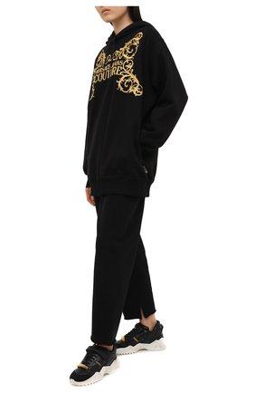 Женская хлопковое худи VERSACE JEANS COUTURE черного цвета, арт. B6HZB71T-ZDM311 41 EMBR0/30216 | Фото 2